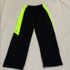 Nike Boys therma-fit sweatpants